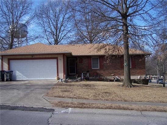 608 N Halsey Avenue, Harrisonville, MO - USA (photo 2)