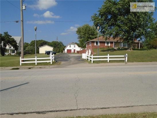 13448 Kansas Avenue, Bonner Springs, KS - USA (photo 2)
