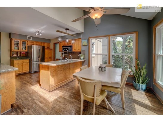 14613 W 69 Terrace, Shawnee, KS - USA (photo 2)