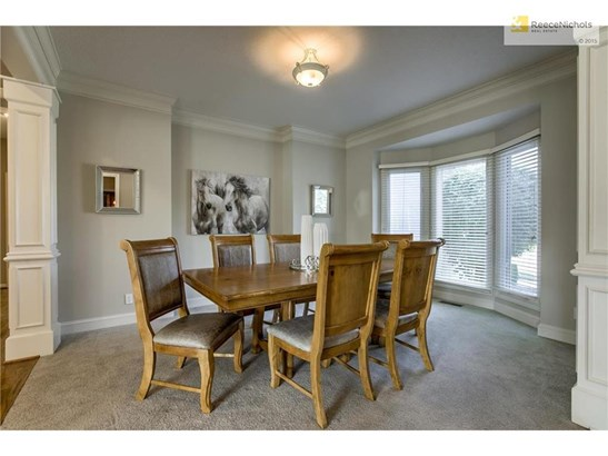 Formal Dining Room! (photo 4)