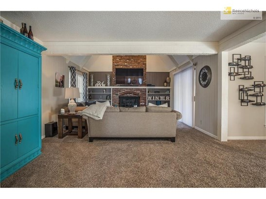 10238 Hauser Street, Lenexa, KS - USA (photo 3)