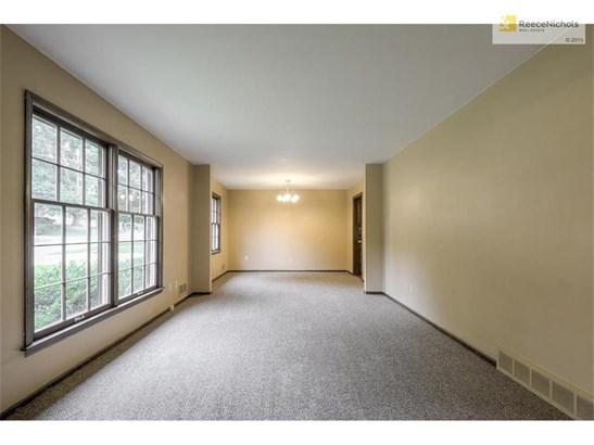 New carpet (photo 2)