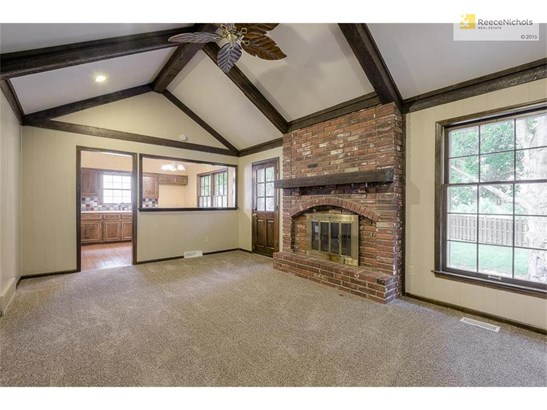 Vaulted ceiling & fireplace (photo 3)