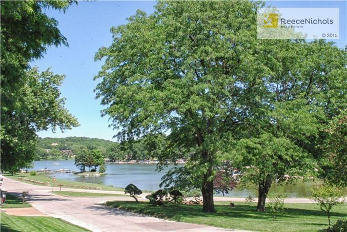 426 Navajo West Street, Lake Quivira, KS - USA (photo 4)