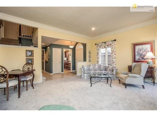 12541 Broadmoor Street, Overland Park, KS - USA (photo 5)