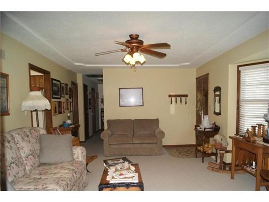 15125 Lakeview Drive, Bonner Springs, KS - USA (photo 5)