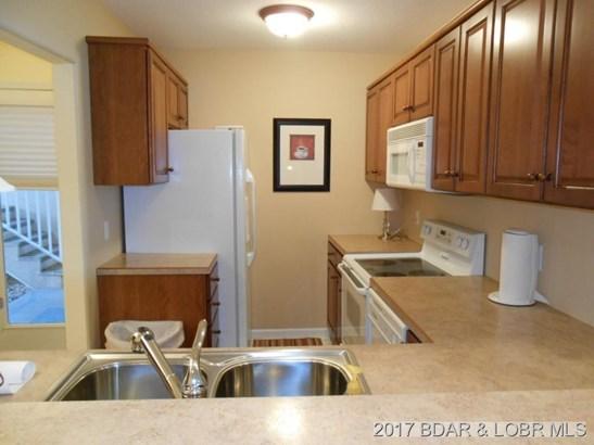 Plenty of Kitchen Cabinets (photo 4)