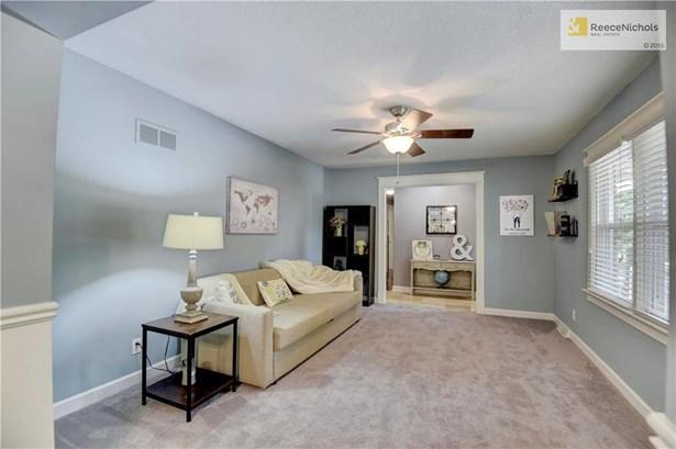 12901 Smalley Avenue, Grandview, MO - USA (photo 5)