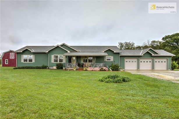 Beautiful 3 bedroom Ranch Home with 3 car garage. (photo 1)