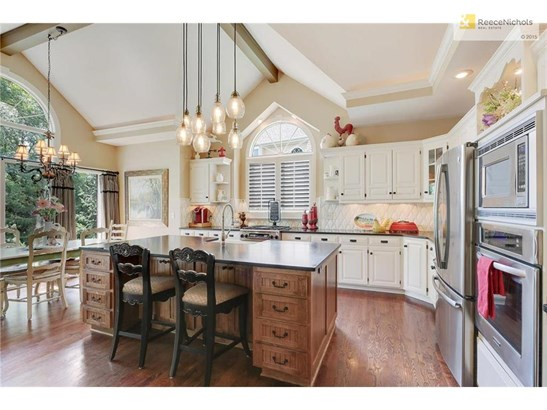Dream Kitchen w/ custom island, granite tops & stunning pillowed tile backsplash (photo 2)