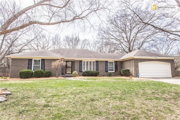 7713 W 100th Place, OPKS-- Lovely true ranch! (photo 1)