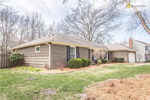 7713 W 100th Place, OPKS-- Lovely true ranch! (photo 2)