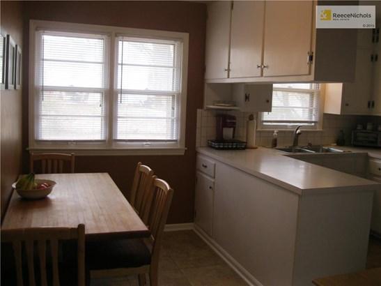 Eat-in kitchen (photo 5)