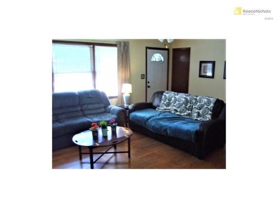 7300 Hedges Avenue, Raytown, MO - USA (photo 5)