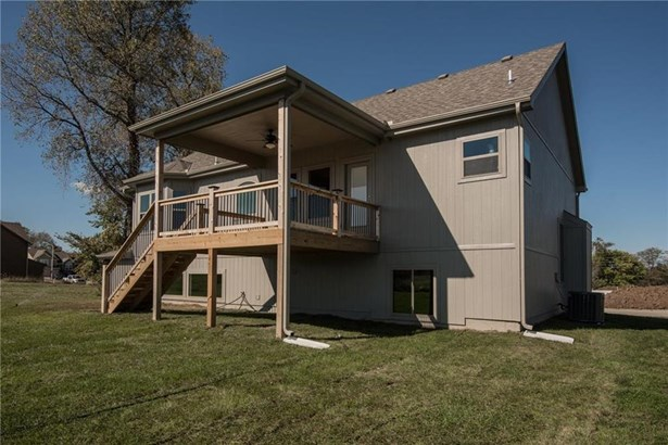 Example of Natalie Ann covered deck. (photo 5)