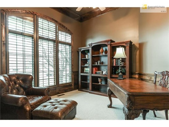 Pretty Study w/triple window, plantation shutters, new carpeting and deep crown molding/wainscoting. (photo 3)