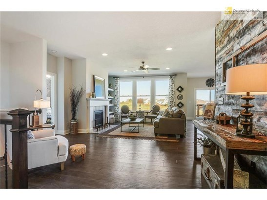**PHOTOS ARE OF MODEL HOME & NOT ACTUAL HOME** (photo 5)