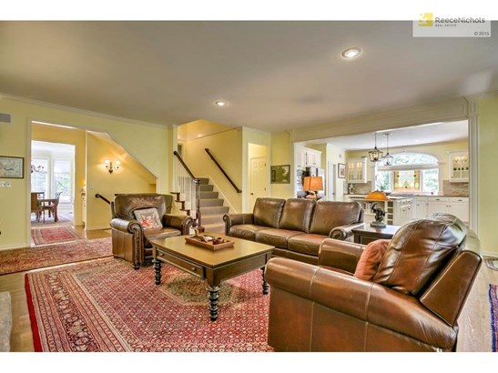 Large hearth room is perfect for entertaining! (photo 4)