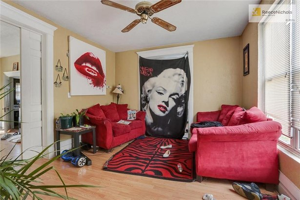 Unit 1-Living Room (photo 3)