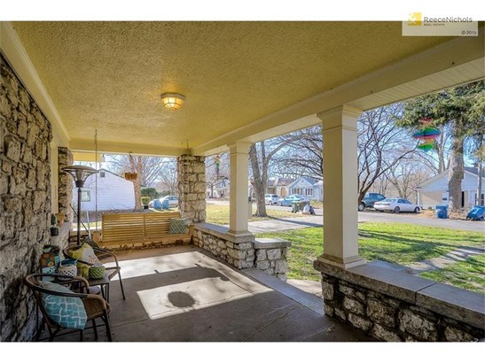 Enjoy time on your large front porch! (photo 2)