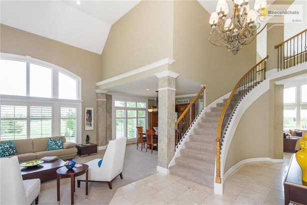 Great entryway. Views everywhere! (photo 5)