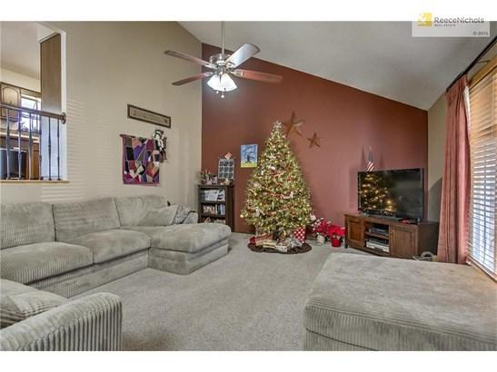 325 Crestview Street, Lansing, KS - USA (photo 3)