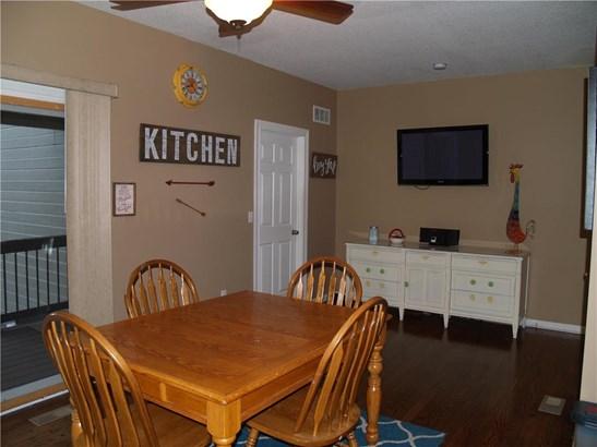 Large Breakfast Room! (photo 5)