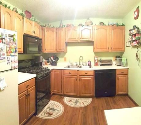 Kitchen (2) (photo 4)