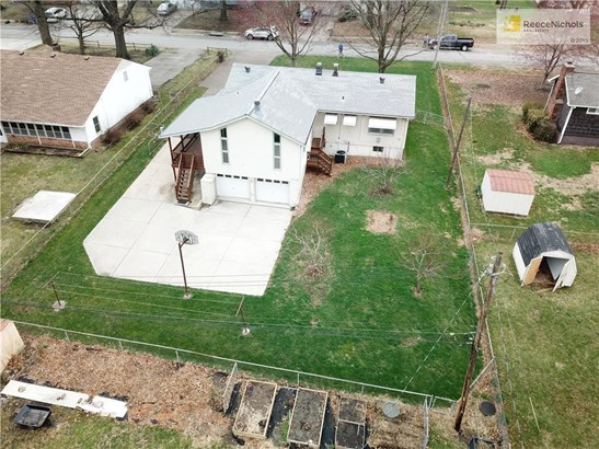 NICE LOT WITH PEACH AND APPLE TREES (photo 2)