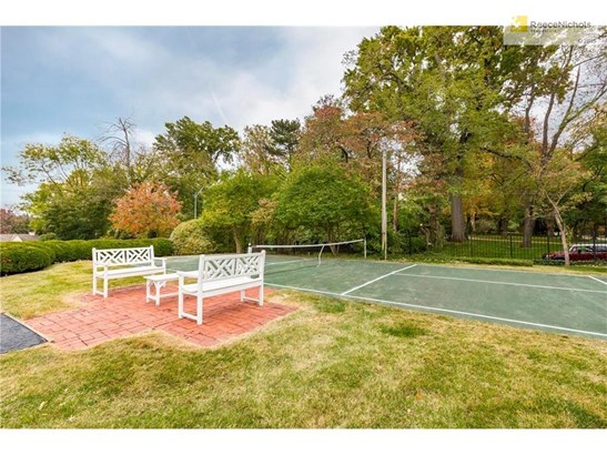 Your own pickleball court! (photo 5)
