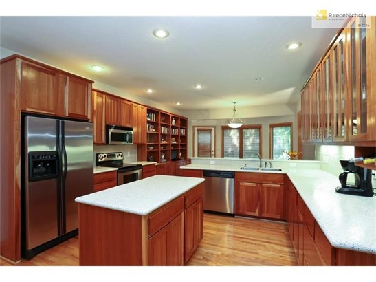 All appliances stay. Natural cherry cabinets makes the kitchen glow. (photo 5)