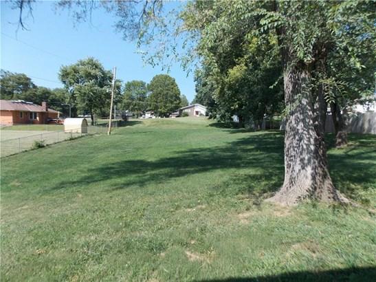 7518 Parallel Parkway, Kansas City, KS - USA (photo 4)