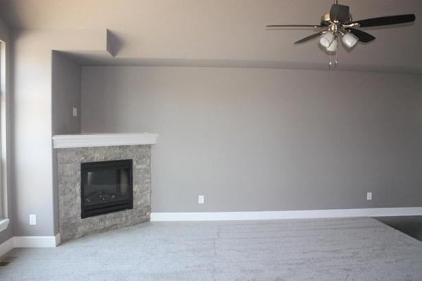 Great room (photo 4)