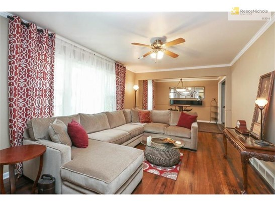 Spacious Living/Dining Rooms (photo 4)