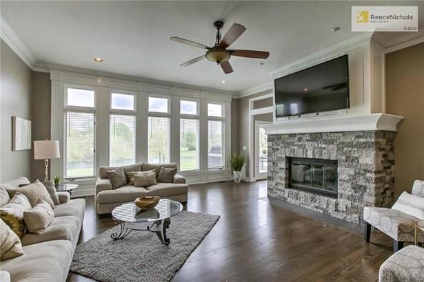 Spacious Great Room w/New Hardwoods & New Stone Fireplace! (photo 5)