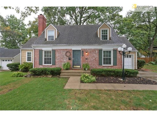 Welcome to 4801 W 57th Street, your new home in Roeland Park (photo 1)