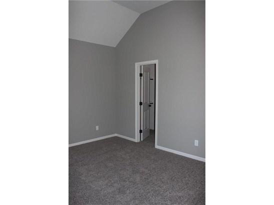 Main Floor Bedroom #2 (photo 3)