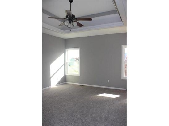 Master Bedroom, Vaulted Ceilings (photo 5)