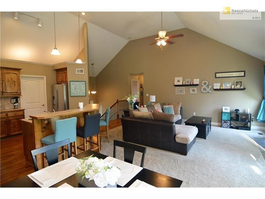 1305 Nw Basswood Court, Grain Valley, MO - USA (photo 5)