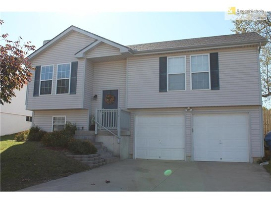 Home built in 2004! (photo 2)