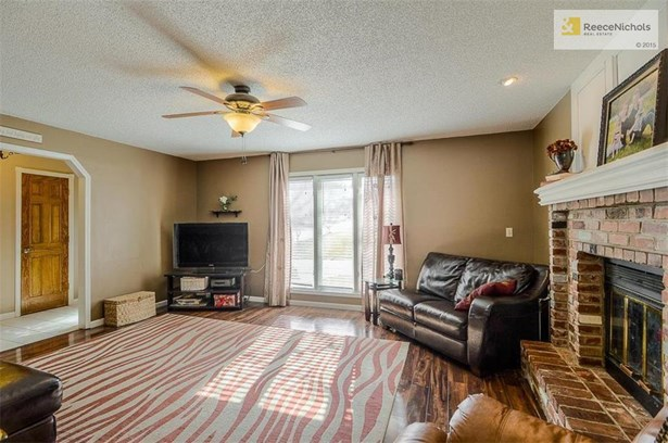 917 Nw Woodlynne Drive, Blue Springs, MO - USA (photo 5)