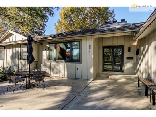 8541 Woodson Drive, Overland Park, KS - USA (photo 2)