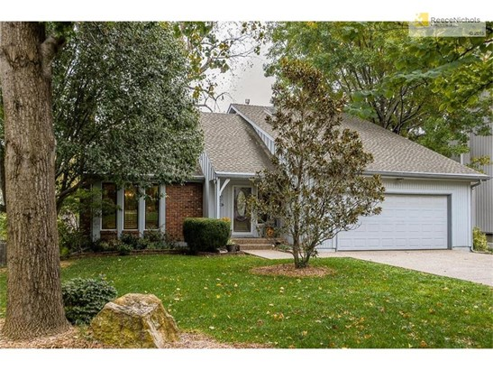 This home really needs to be seen in person to be appreciated. Come see!!! (photo 1)