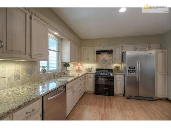 8921 Woodstone Street, Lenexa, KS - USA (photo 3)