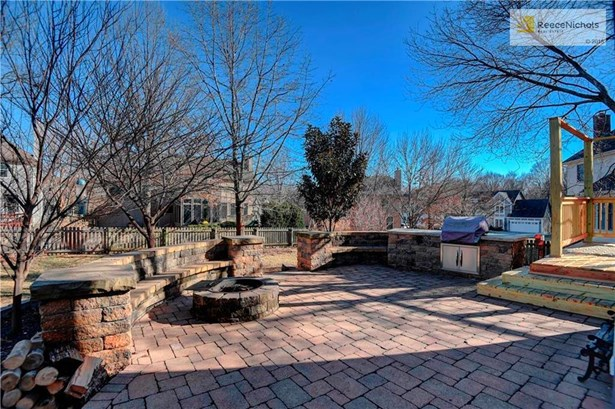 15519 Horton Lane, Overland Park, KS - USA (photo 3)
