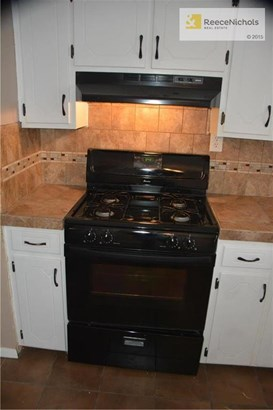 4 yr old gas stove (photo 3)