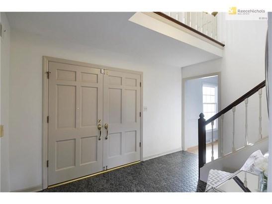Grand, double door entry! (photo 3)