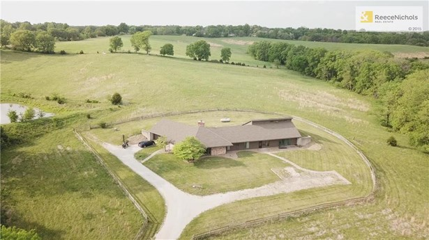 12500 N Crooked Road, Parkville, MO - USA (photo 1)