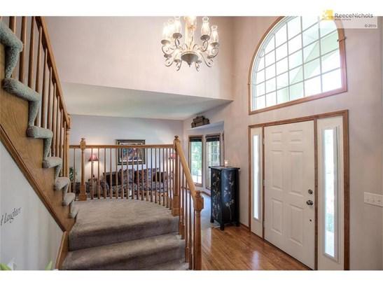 8407 Laurelwood Street, Lenexa, KS - USA (photo 4)