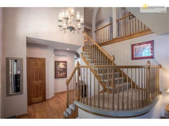 8407 Laurelwood Street, Lenexa, KS - USA (photo 5)